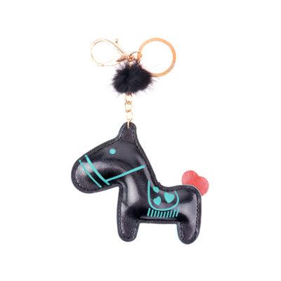 Лошадка черная